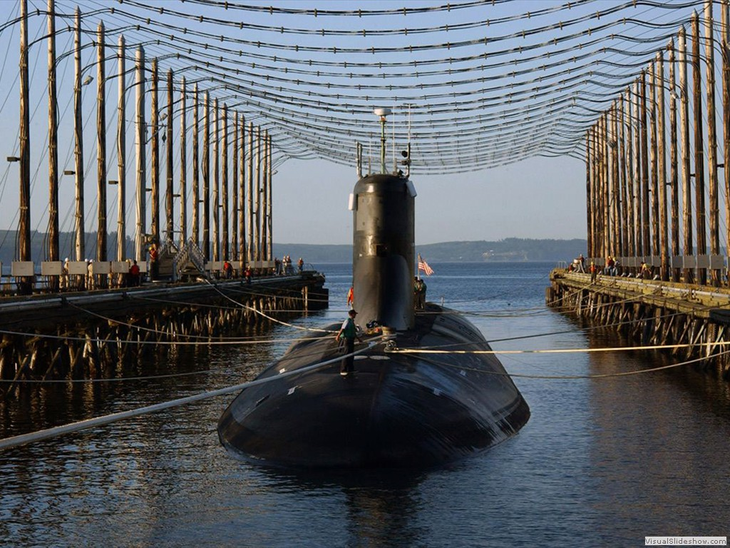 USS Jimmy Carter (SSN-23) being degaused 2006.