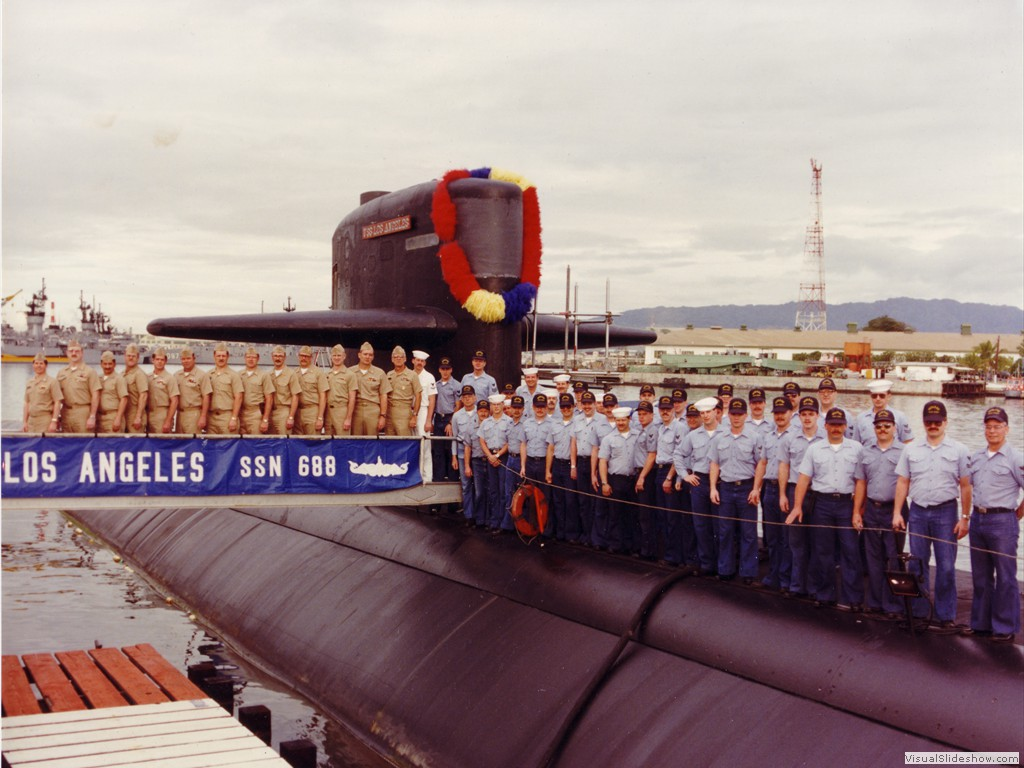 USS Los Angeles (SSN-688) (2)