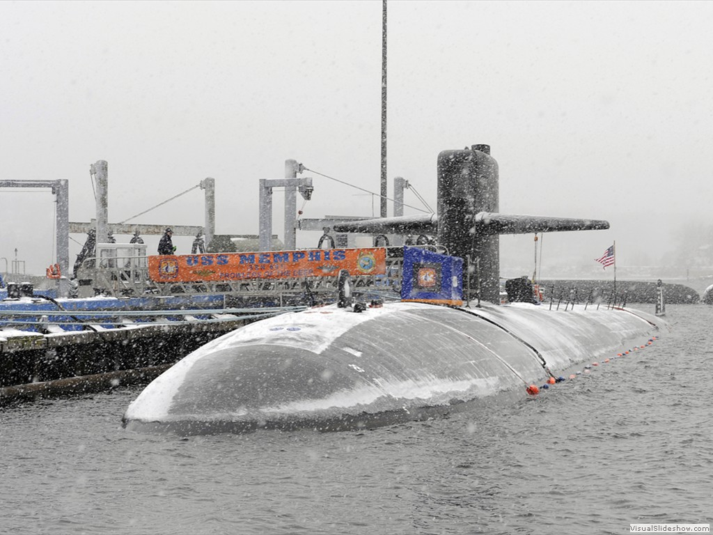 USS Memphis (SSN-691) moored at Submarine Base New London
