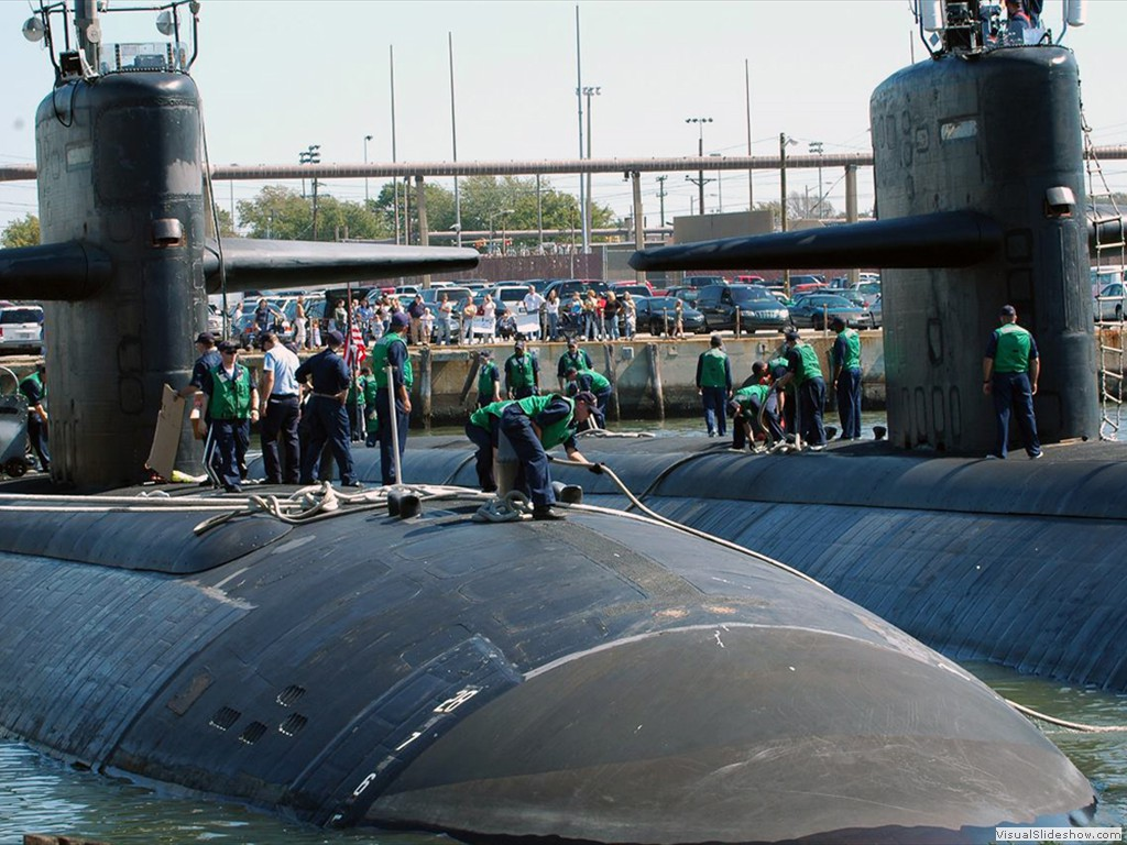 USS Minneapolis-St Paul (SSN-708) and USS Newport News )SSN-750) get underway from Norfolk 2006.